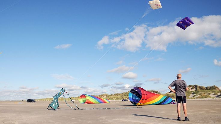 Want to play with kites on the beach of Tversted?