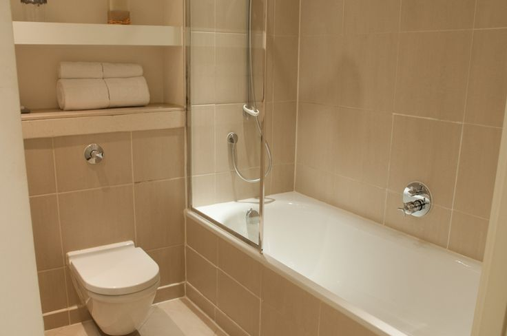 Modern bathrooms. Fresh towels are provided as part of the weekly housekeeping service.