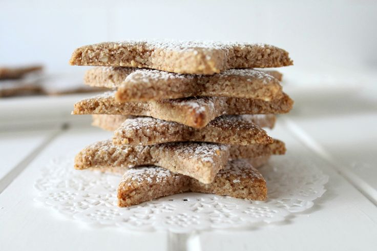 Threadbare Creations- Cinnamon and Almond Biscuits