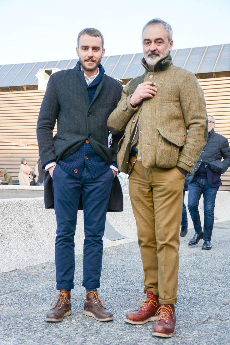 """ピッティウオモといえば、個性と色気溢れるファッショニスタが世界各国から訪れる業界最大規模のメンズファッション展示会だ。今回も""""Pitti Uomo 91""""にフォーカスして、注目の着こなし&アイテムを紹介! ミリタリージャケット×ハイカットスニーカーコーデ コーティングされたコットン生地で縫製された武骨な雰囲気漂うミリタリージャケットに、ネイビーのコットンパンツを合わせ、足元にハイカットレザースニーカーをチョイスしたコーディネート。ネイビーパンツとレッドラインの入ったディアドラのハイカットスニーカーの組み合わせがコントラストを効かせている。 DIADORA HERITAGE(ディアドラ ヘリテージ) ビンテージ加工 ハイカットスニーカー イタリアのスポーツブランド「DIADORA(ディアドラ)」。ビンテージ加工が施されてこなれ感がプラスされたレザーハイカットスニーカー。 詳細・購入はこちら ピッティ ウオモ「ホワイトパンツコーデ」 クリーンな印象や抜け感を演出してくれるホワイトパンツ。ネイビーコートやテーラードジャケットと合わせて品のある着こなしを完..."""