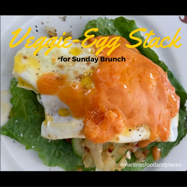 A simple and healthy carb-free Sunday brunch. Try this vegetable-eggs stack on my blog: http://martinesfoodandplaces.…