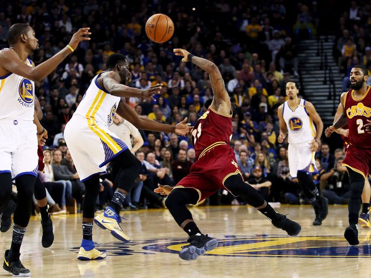 In a recent game, it appears that Draymond Green hit LeBron James. But did LeBron flop? Here is a physics analysis. #Cavaliers #Warriors #NBA #basketball #flop