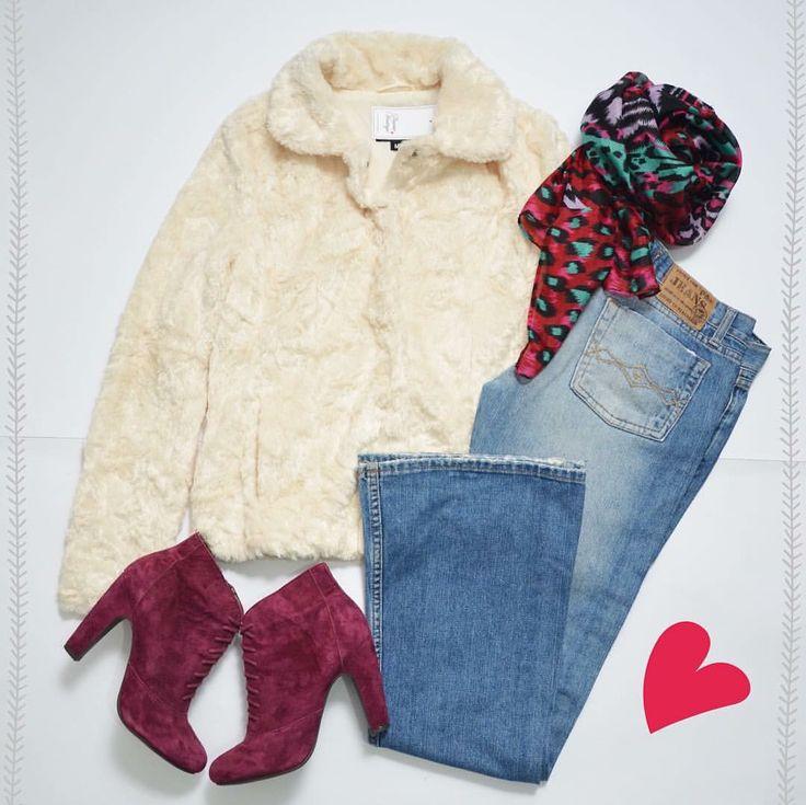 ❄️OUTFIT PARA EL FRÍO BRRRRRR❄️ KOSIUKO Washed Jeans (28) INDEX Chaqueta Peluda (M) SEYCHELLES Suede Booties (38) H&M Pañuelo Animal Print ⚠️www.bazarvintage.cl #BazarVintageCL #ReuseFashion #VintageBag #digitalart #reutilizar #closet #online #marketing #branding #vende #compra #fashion #moda #vintage #VintageClothes #vintageclothing #soyceroplástico #vintagelove #vintagefashion #ExclusiveClothes