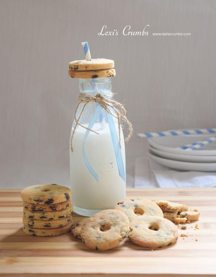 Milk & cookies party www.lexiscrumbs.com
