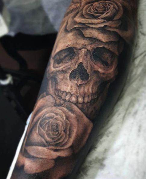 best 25 skull rose tattoos ideas on pinterest mandala. Black Bedroom Furniture Sets. Home Design Ideas
