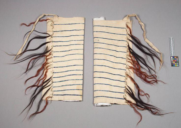 Леггинсы, Шайены. Вид два. Муслин, конский волос. Длина 68 см. Дата поступления 1893 год. Коллекция Rev. Heinrich R. Voth. NMNH.