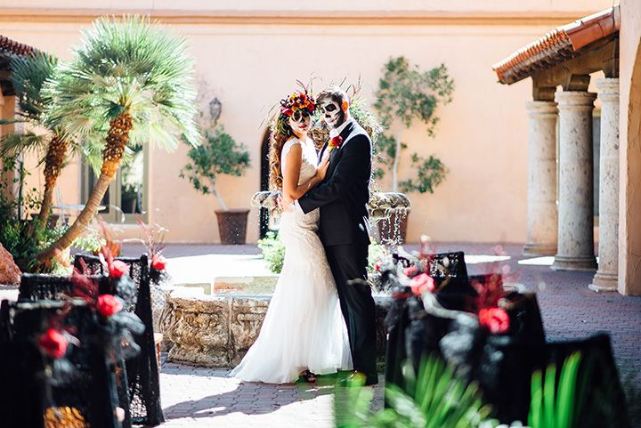 "We love seeing new and different ways to celebrate the marriage of two lovers. In Lux Wedding Studio's styled shoot, ""new and different"" were definitely in abundance. This Dia de"