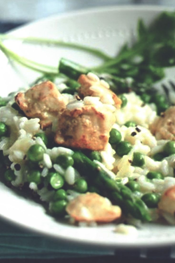 Try this healthier meat free chicken, asparagus and pea risotto recipe. Enjoy a low calorie vegetarian version of this with Quorn Meat Free Chicken Pieces.