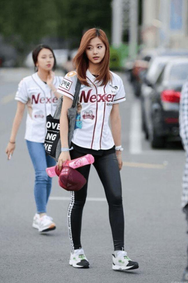 """Netizens are in LOVE with TWICE's Tyuzu, a TAIWANESE K-Pop idol """"That idol is Tzuyu from JYP's band Twice."""