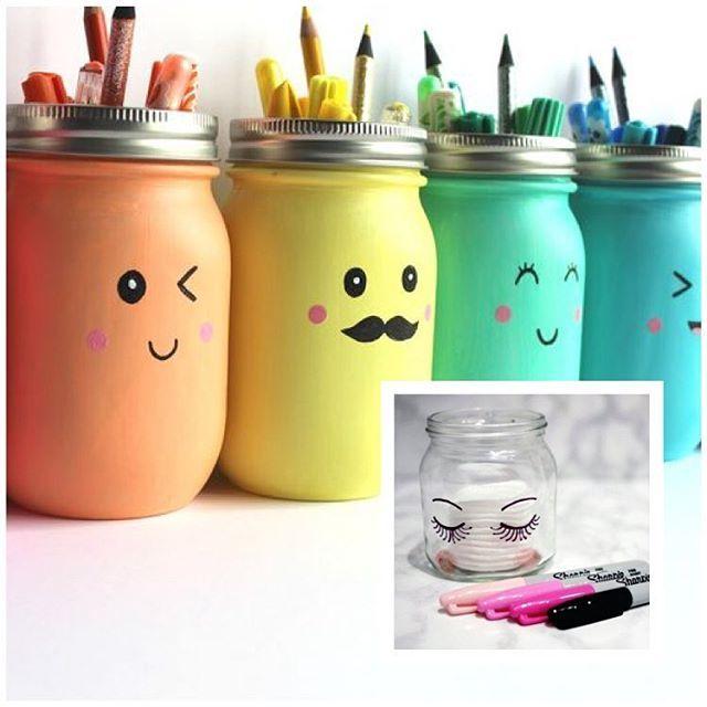 Amei essa inspiração 💕 . Com potes de vidro e criatividade da para sair muita coisa bacana! 😍 👉🏼 Essas canetas permanentes não saem por nada, e olha que charme! . Dá para usar em aniversários, decoração de casa, quarto de criança, kit de higiene de bebe, porta trecos, porta mantimento... ☺️ . #Ideias #Decoracão #Caseirices #Pin #Pinterest #Dica #DicaMPR #Maternidade #Criatividade #Reciclagem