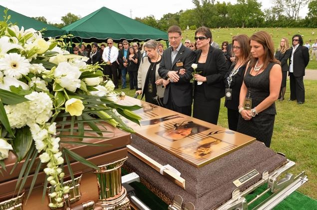 Thousands Bid Country Star George Jones Final Farewell