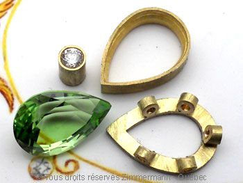 Pendentif or Péridot 3,45 cts Diamant 7/100 ct.................