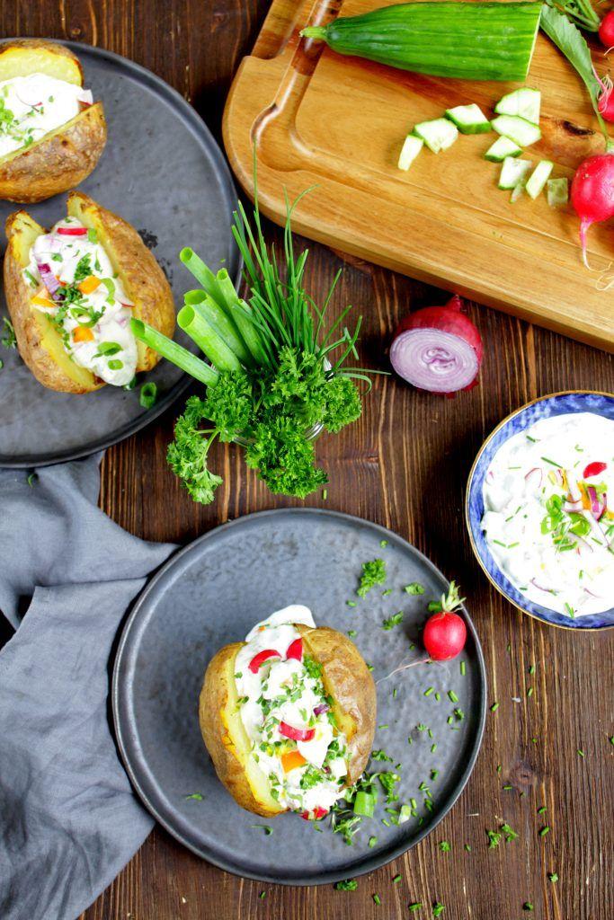 Ofenkartoffel Mit Cremigen Gemuse Krauter Quark Ofenkartoffel Rezepte Ofenkartoffel Rezept