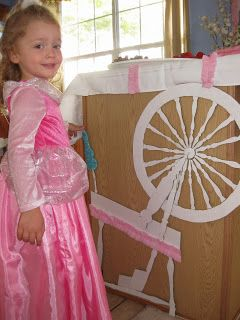 Disney Party - Sleeping Beauty - DIY spinning wheel.