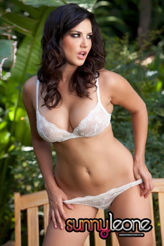 Sunny Leone Big Boobs Photos