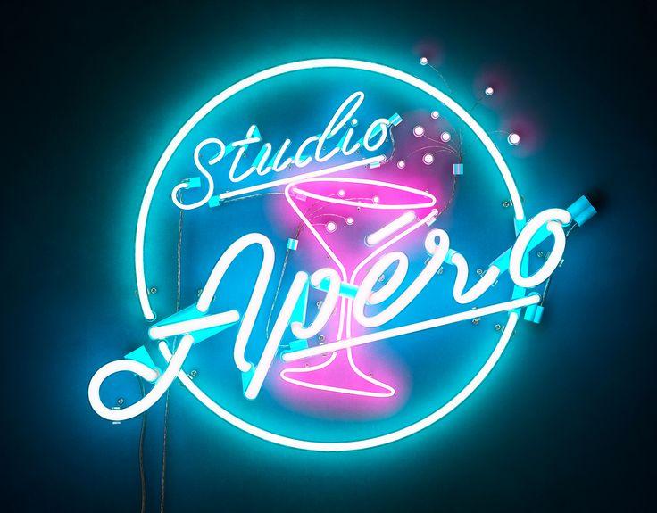 """다음 @Behance 프로젝트 확인: """"Studio Apéro Neon Light"""" https://www.behance.net/gallery/42016563/Studio-Apro-Neon-Light"""