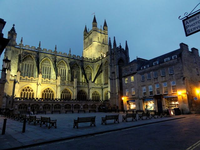 Travel and Lifestyle Diaries Blog: Bath, England: The Bath Abbey at Night
