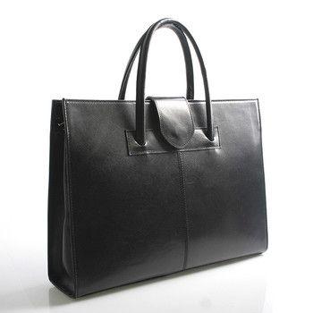 #aktovka #ItalY  Černá luxusní dámská kožená aktovka - kabelka ItalY. Potřebujete do práce kabelku a zároveň spisovku či aktovku? Kabelka Gabriela je přesně to co hledáte. Nabídne vám spoustu místa na dokumenty či notebook (s max. rozměry 31 x 25 cm), ale ne na úkor designu.