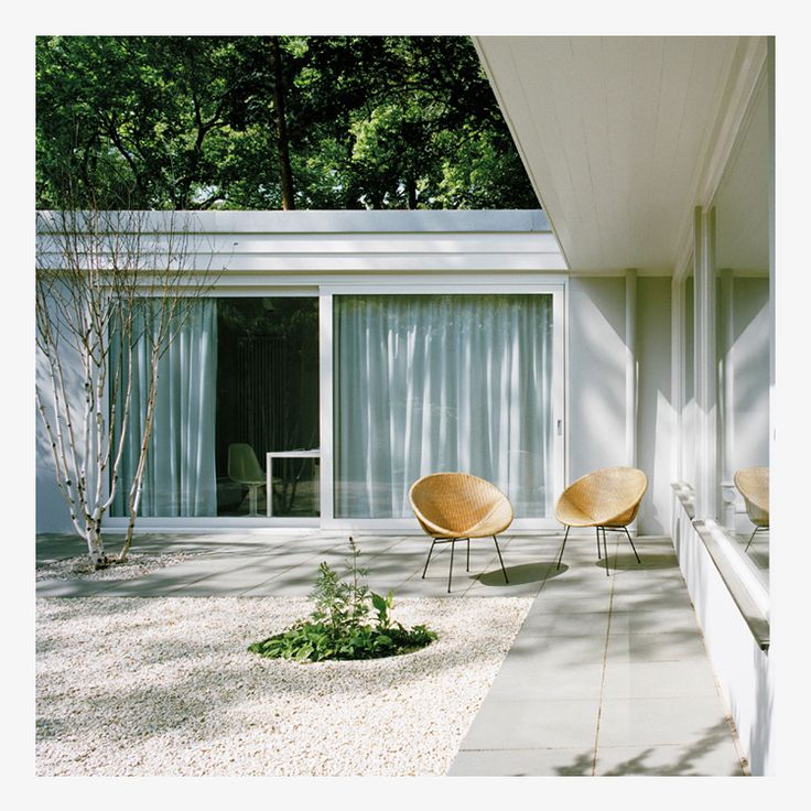 Studio Hours: Our 50's Eichler – Patio Inspiration   thevedahouse