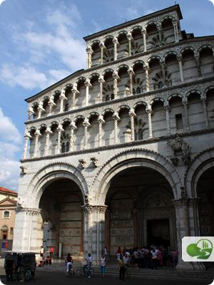 San Martino Cathedral: the enchanting Duomo of Lucca  by Discover Tuscany travel guide.  - Lucca, Tuscany, Italy, Italia -