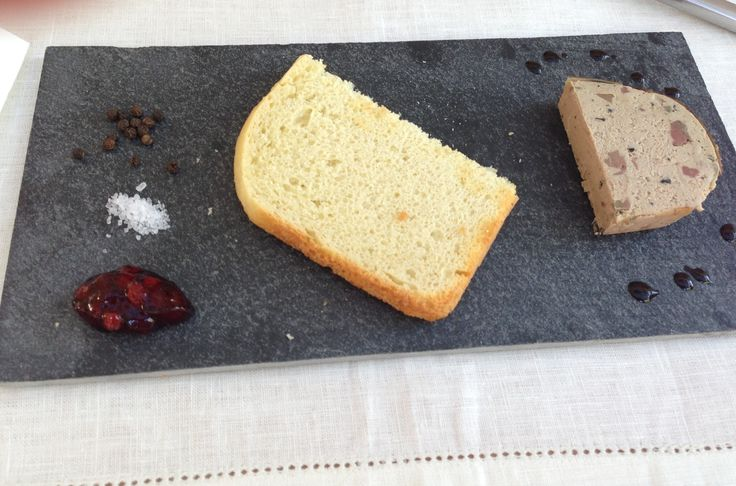 Goose liver pâté with cranberries and self baked bread :) yumm!