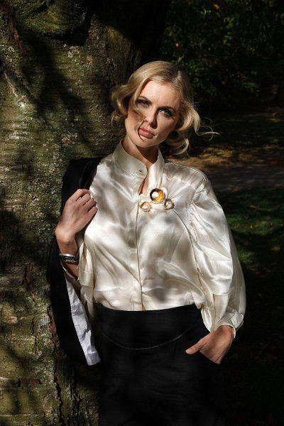 Hairstyle by Tomoyuki.  Donna Air in CocoEco Magazine