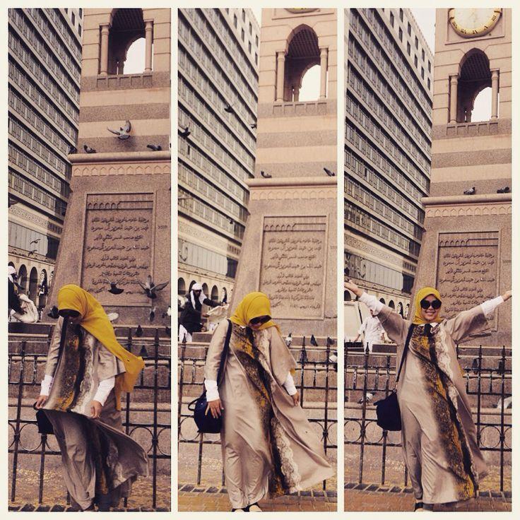 Hijab on Windy day at medinah