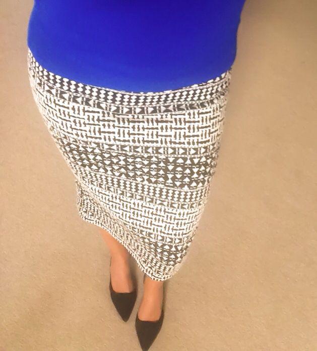 Sheri Graphic Print Pencil Skirt, Pencil Skirt, Stretchy, black and white skirt, knee length
