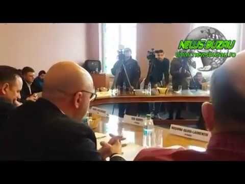 """VIDEO - Santaj si amenintare la unii membrii din CA al Urbis Serv Buzau. Ambele """"acte"""" au fost facute in biroul primarului C-tin Toma (avem inregistrarile!)"""