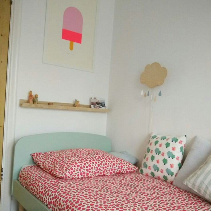Pleun's new pastel bed from Flexaworld
