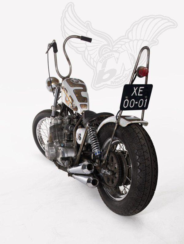 Honda CB750 Bobber Back