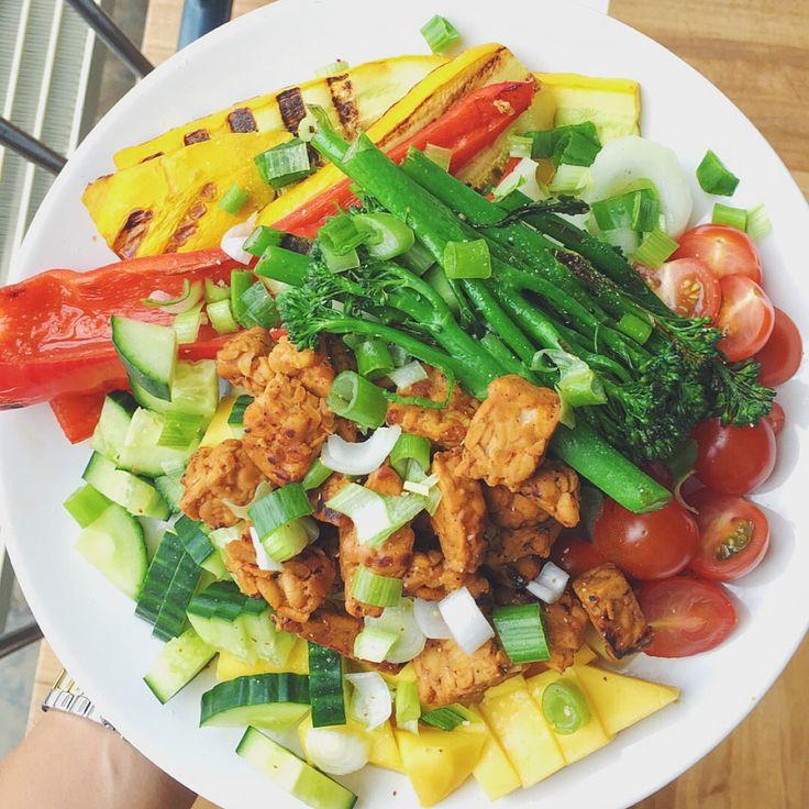 Gemarineerde tempeh met gegrilde groenten