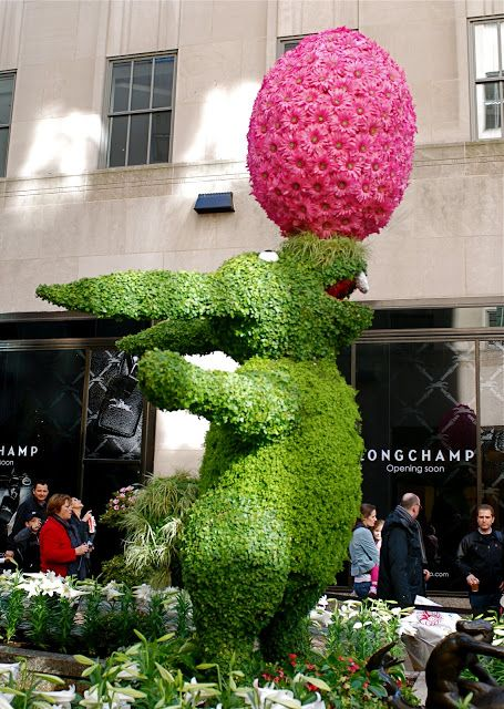 NYC ♥ NYC: Easter Bunny Topiary at Rockefeller Center's Channel Gardens