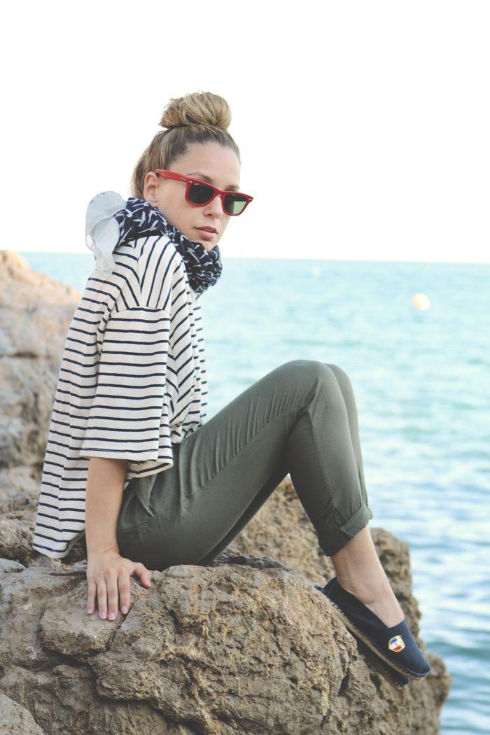 teenvogue, MY SHOWROOM, look playa, pantalon militar, verde militar, army, alpargatas azules, gafas rojas, top rayas, sailor stripes, summer...