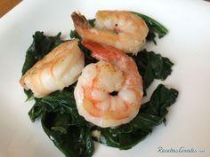 Aprende a preparar espinacas con langostinos con esta rica y fácil receta.  En esta receta aprenderás a realizar unas espinacas salteadas con langostinos, un plato...