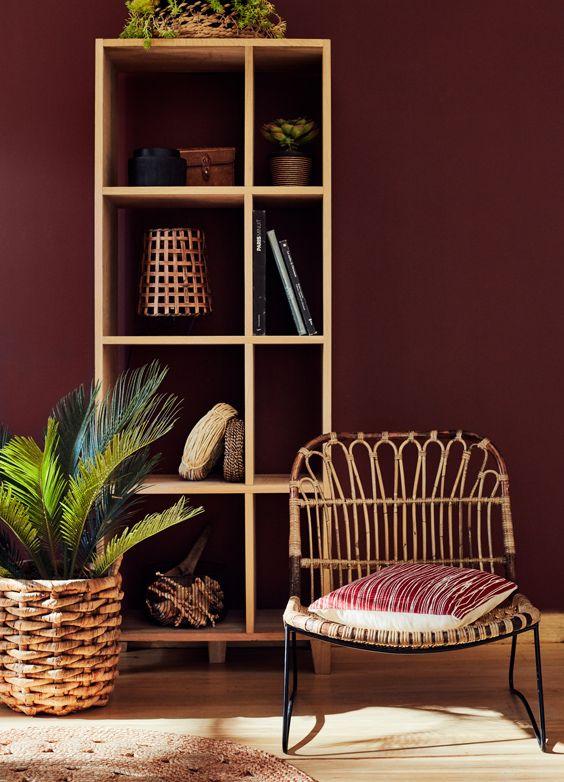 Un beau fauteuil en rotin avec des touches ethniques.  Déco - Salon - Décoration - Decoration - Intérieur - Maison - Alinea