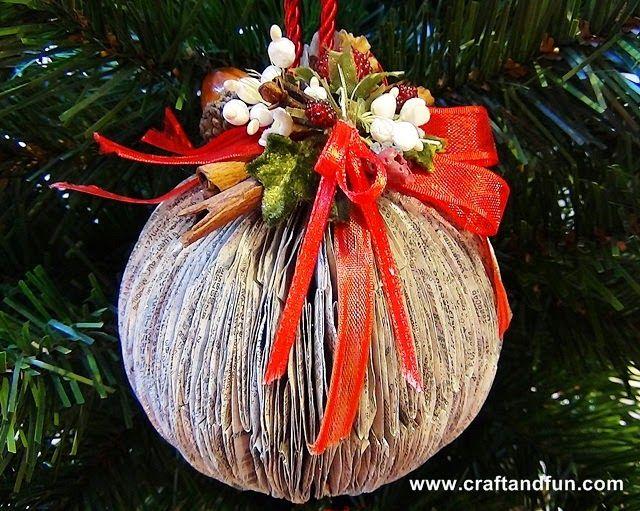 Riciclo Creativo - Craft and Fun: Riciclo Creativo degli elenchi telefonici: palline per l'albero di Natale con la carta