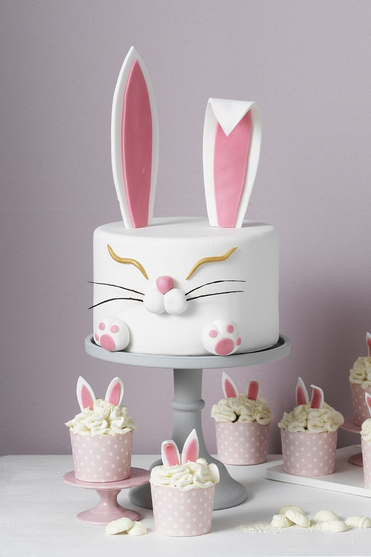 Rabbit easter cake and cupcakes www.panduro.com #DIY #easter #påsk #tårta #sugar paste #sockerpasta