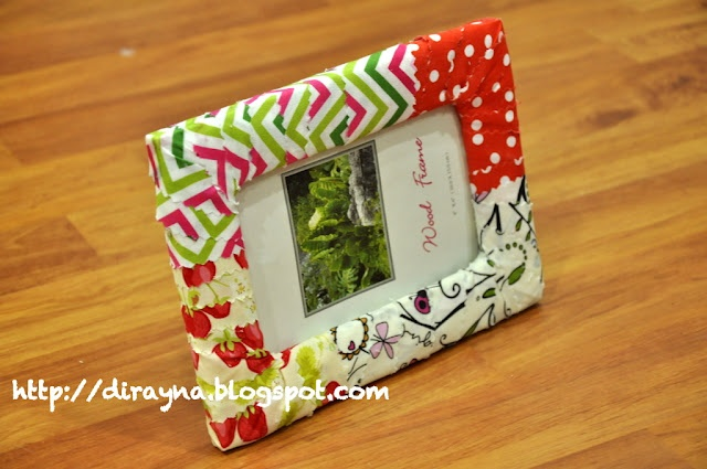 Dirayna dearie diary tutorial diy padded fabric photo for Diy fabric picture frame
