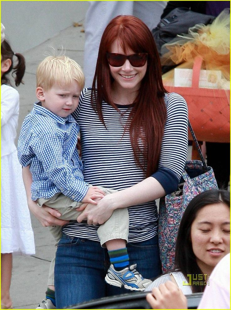 Bryce Dallas Howard - daughter of Ron Howard with her son Theo- love the hair cut