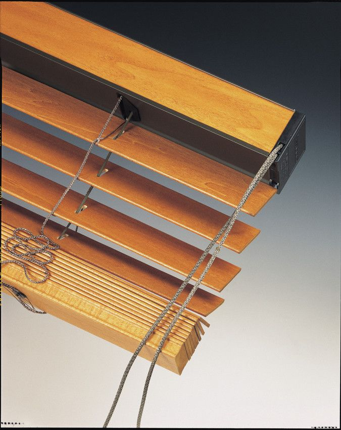Silent Gliss: 8900 Wood & Aluminium Venetian blind system 1 of 4