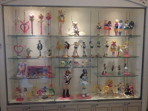 sailor moon figurine collection display figurine display. Black Bedroom Furniture Sets. Home Design Ideas