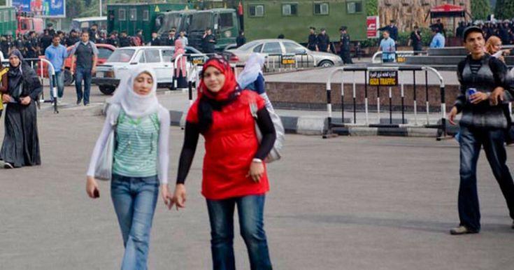 Αίγυπτος: Βουλευτής πρότεινε τεστ παρθενίας για τις φοιτήτριες πριν μπουν στο πανεπιστήμιο | Κόσμος | ΕΙΔΗΣΕΙΣ | LiFO
