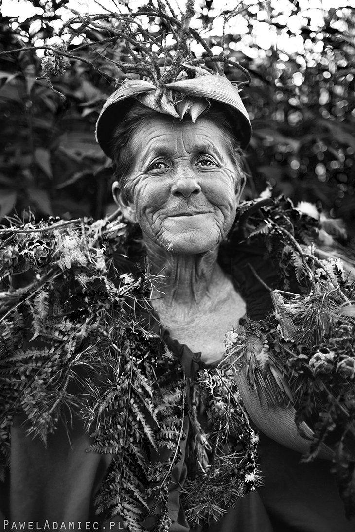 Kings of Bug River by paweladamiec  #PolskaMalowana #fotografia #photography #portrait #portret #kobieta #woman #old #staruszka #elder #folk #pagan #nature