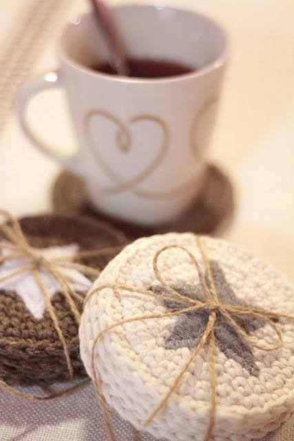 Crocheted coasters: Crochet Coasters, Idea, Sweet Things, Ja Joulutunnelmaa, Pattern, Sweets, Glögiä Ja, Crochet Christmas Coaster, Diy