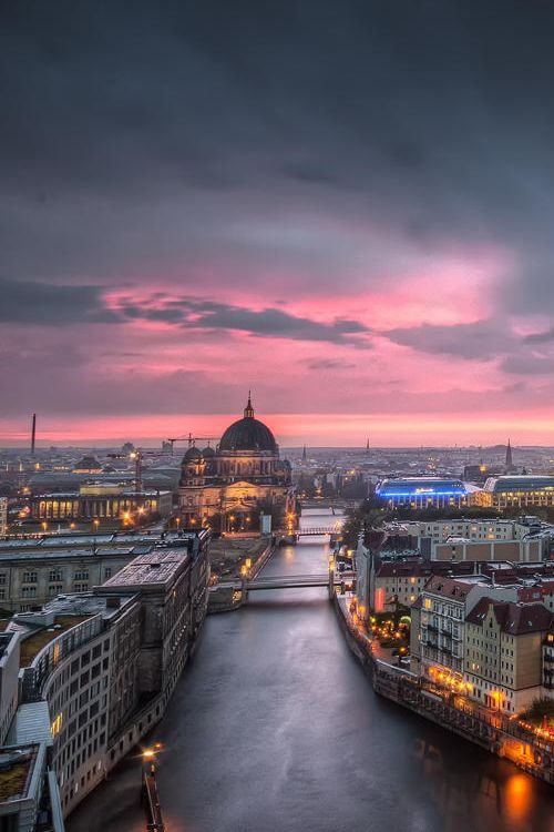vurtual: Thunderstorm at Alexanderplatz - Berlin, Germany (by Nico Trinkhaus)