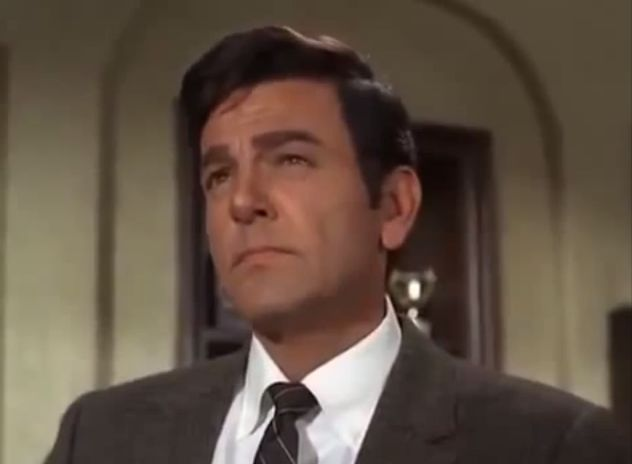 Mike Connors, best known for his titular role in thelong-running CBS proceduralMannix, died Thursday of leukemia, Deadline reports. He was 91. On Mannix, which debuted in 1967 and ran for eight seasons, Connors played disobedient, plaid coat-wearing private eye Joe Mannix. The role earned him a 1969