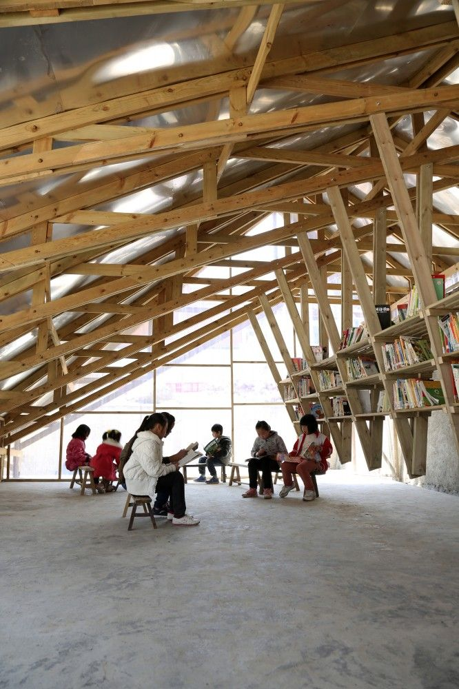 The Pinch/Department of Architecture, The University of Hong Kong - I love the hanging shelving!