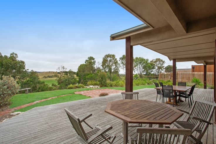 Sit back and enjoy a break in this naturally beautiful environment.  Email info@coupersrealty.com.au to arrange your time in this property.