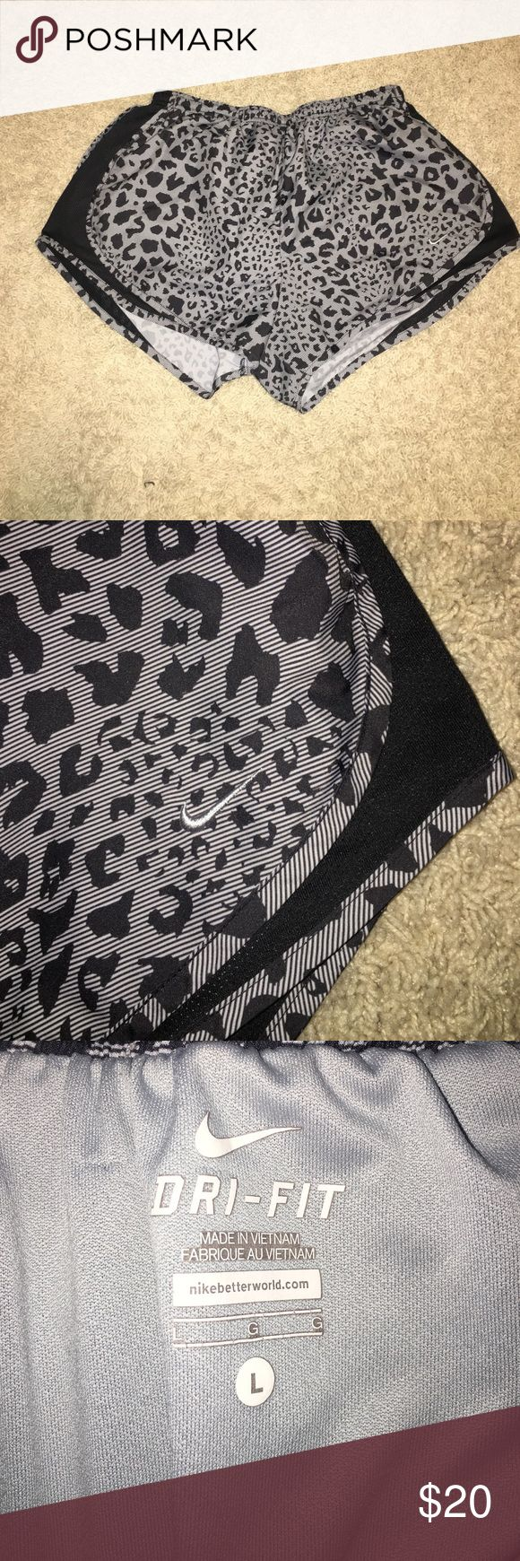 Nike leopard shorts size L Perfect condition. Size large. Bundle with some of my other sports items and save 10% Nike Shorts